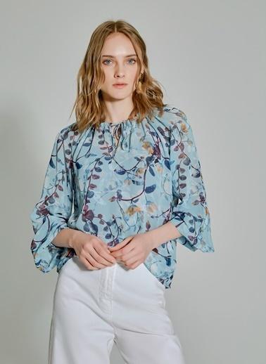 People By Fabrika Desenli Kol ve Yaka Detaylı Bluz Mavi